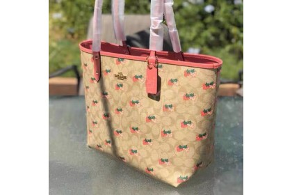 Coach Reversible City Tote In signature Canvas With Strawberry Print 91515